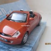 Машинка модель металл Ford Street Ka Maisto 1:34 (11 см)
