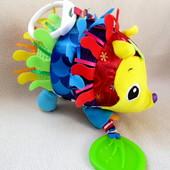 Развивающая игрушка  - подвеска Ёжик Lamaze