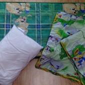 Комплект в детскую кроватку( матрас,одеяло и подушка)