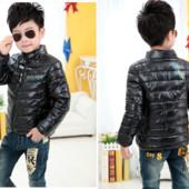 Курточка на мальчика 4-5 года  Черная демисезон в наличии