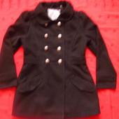 Фирменное пальто на девочку подростка