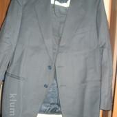 фірмовий Італійський шерстяний костюм знизила ціну
