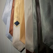 галстуки мужские(разные цвета)беж,шоколад,сталь,айвори,тёмный)