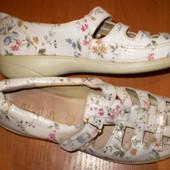 кожаные  туфельки  ф. Alpina    размер  39  -  25  см