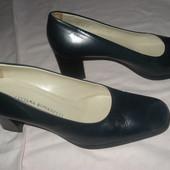 Італійські шкіряні туфлі-37р-стан ідеал,