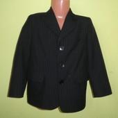 Пиджак жакет Domina на 98-104 рост, в отличном состоянии, отличное качество, рук. от плеча - 41 см,