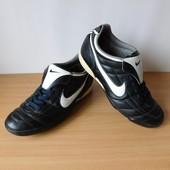 Сороконожки бутсы Nike 39,5-40 р. По стельке 25,7  см