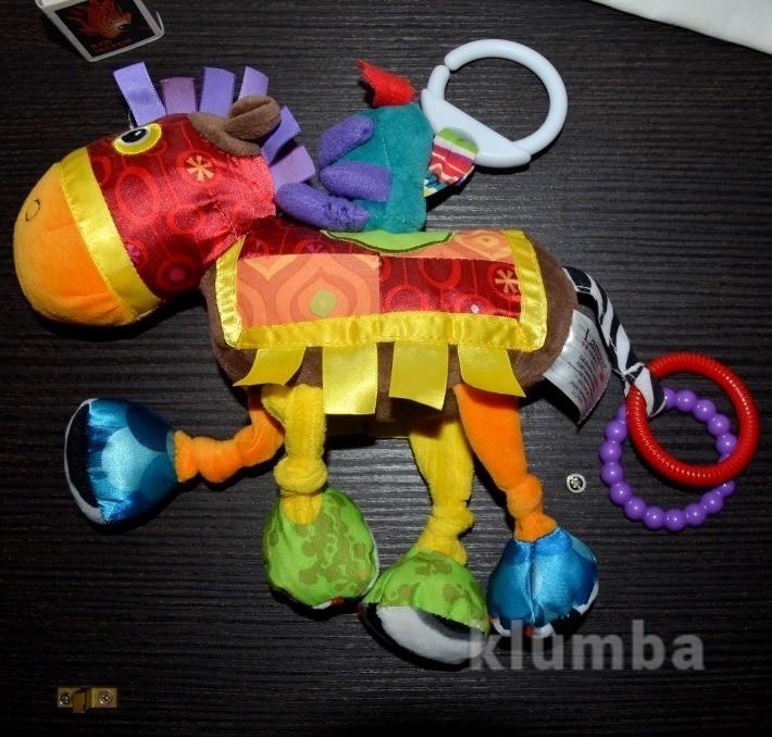 Lamaze развивающая игрушка подвеска лошадка ламазе шуршит пищит фото №1