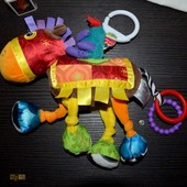 Lamaze Развивающая игрушка подвеска лошадка Ламазе шуршит пищит