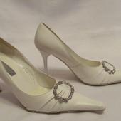 Туфли белые размер 39. Стелька 24,5см