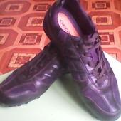 Классные кожаные кроссовки, фирменные