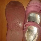 Туфельки кожаные 25 р!