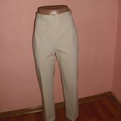 укороченные джинсы,капри р-р 16,сост новых M&S