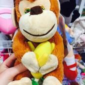 Обезьяна с бананом со звуком 20 см