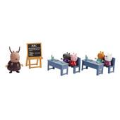 Игровой набор Peppa Пеппа Идем в школу класс, 5 фигурок