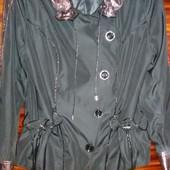Красивая курточка- ветровка р.52 как новая
