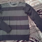 Продаю свитер мужской