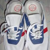 продам новые мужские легкие летние кеды-кросы. 45 и меньше размер.
