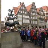 в Германию приглашаем детей и взрослых,а так же детские творческие коллективы