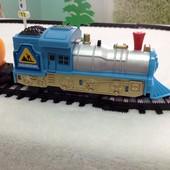 Железная дорога с паровозиком! Новая! Много фото+видео! Отличный подарок ребёнку!