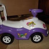 машинка іграшка для дівчинки