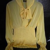 Очень красивая брендовая шифоновая блузка Rinascimento Италия. размер S. наш 42-44р.