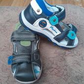 Кожаные сандали для мальчиков