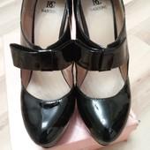 натуральные лаковые туфли basconi