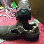 ботинки укрепленный носок 24,5см