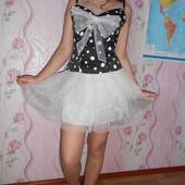 Нарядное платье на выпускной  раз 42-46 горошек