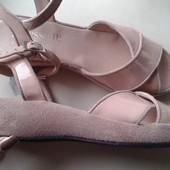 Новые женские босоножки,бренд Accessoire,кожаные,замшевые,35,37 р