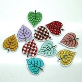 Деревянные пуговицы-листья ассорти, 2 вида на выбор - кленовые и обычные, смотрите объявление!