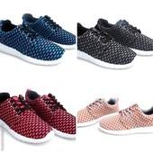 Модные кроссовки в ассортименте Польша