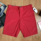 Мужские шорты красные GAP Classic Coupe