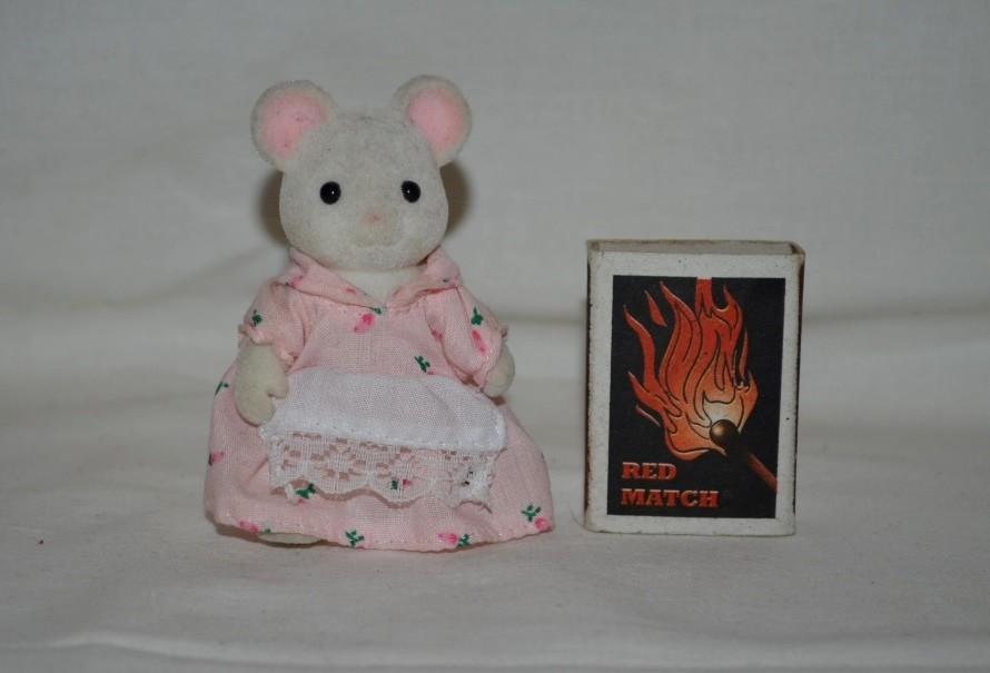 Игрушки sylvanian families сильвания фемилис малышка мышка фото №1