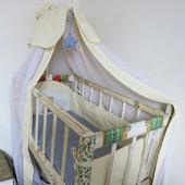 Эксклюзив! Кроватка и пеленальный столик с матрасом, защитой и балдахином.Ручная работа!