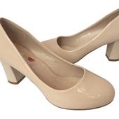 Невысокий каблук ,туфли