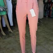 Классные брюки,(персиковый цвет) 44 разм