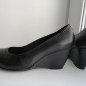 Моднячие туфли на танкетке 5th Avenue.раз.40