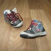 Дэми ботиночки 21-25 размеры. Новые!