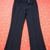 Женские брюки размер 10 (М), б/у. Отличное состояние, без нюансов. Длина 97 см, шаговый 75 см, ПО та