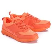 Женские кроссовки оранжевого цвета