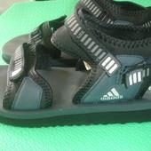 Adidas 38Р в хорошем состоянии .