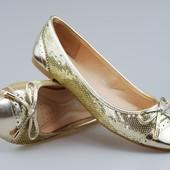 Женские балетки в паетках в золотом цвете