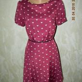 Летнее платье с принтом сердечки