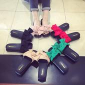 Модні жіночі шльопанці — літо 2016