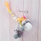 Слингоигрушка - грызунок Ослик,вязаная игрушка