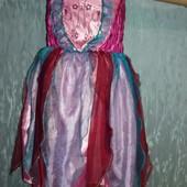 Красивое платье для девочки 3- 5 лет в отличном состоянии
