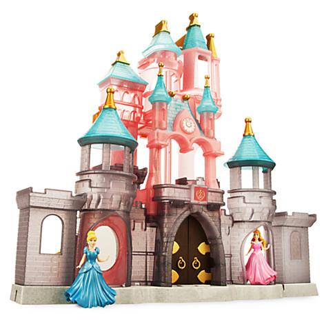 Сказочный замок принцесс диснея. фото №1