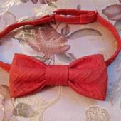Модний галстук - бабочка для хлопчиків :)